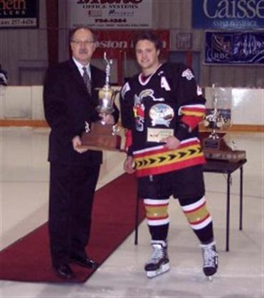 Scott_Macaulay_receives_Brian_Kozak_Memorial_Award